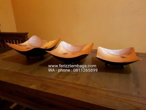 mangkuk dan vase tembaga